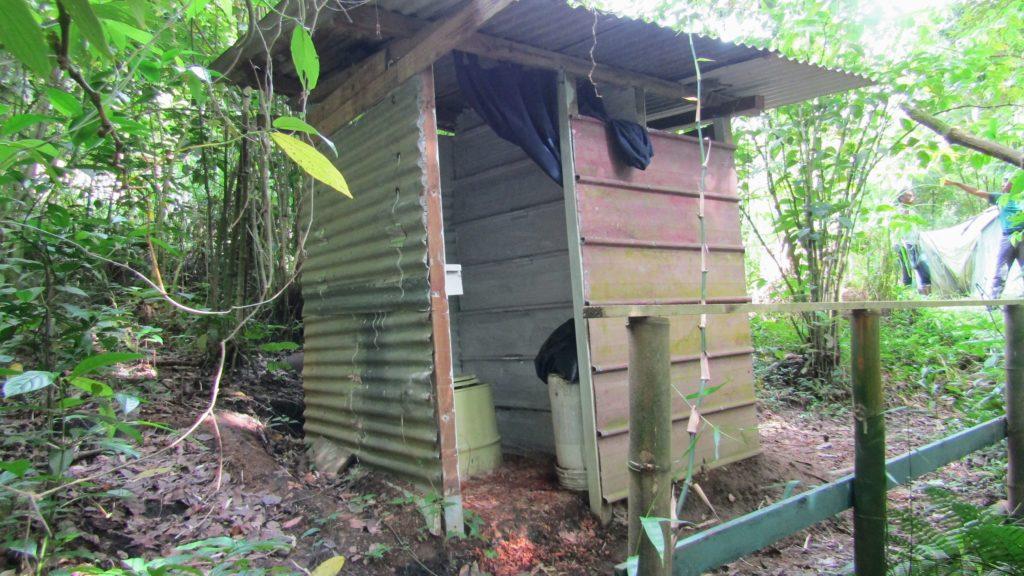 Toilette sèches campement randonnée - bivouac